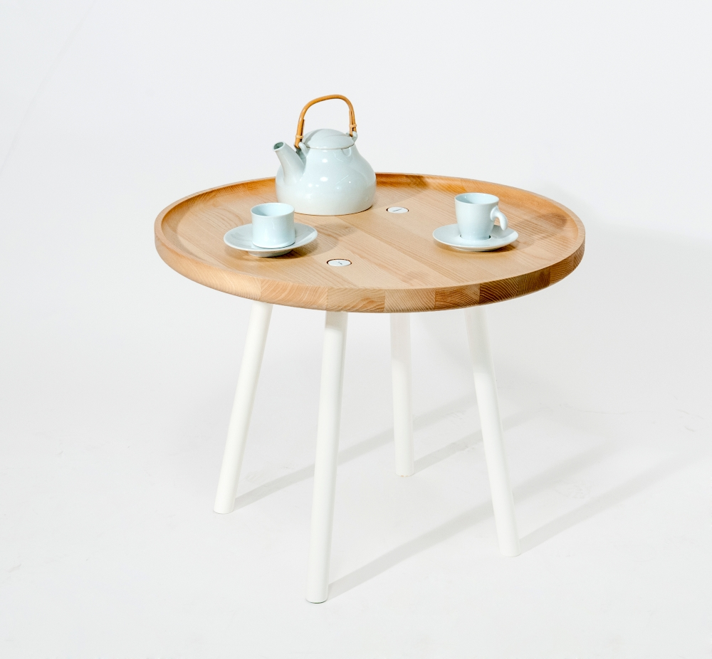 Plate Table. Designed for COVO s.r.l by Mikko Laakkonen.